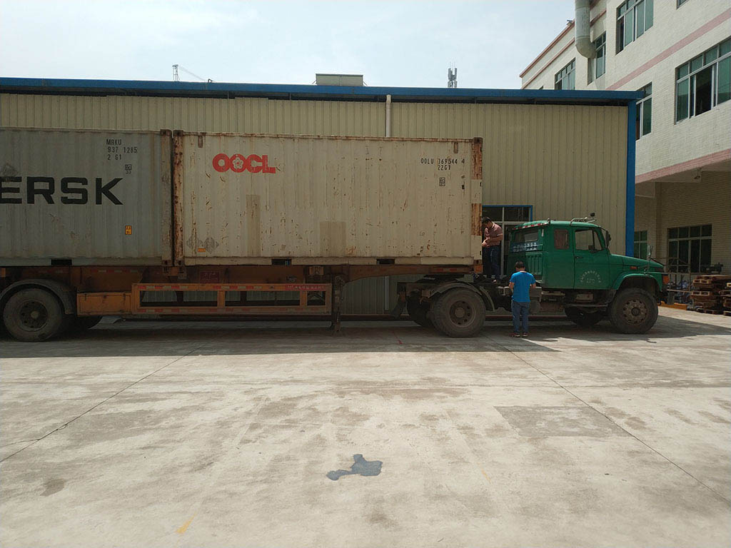 Joysway Factory Shipping Container Goods to Customer12
